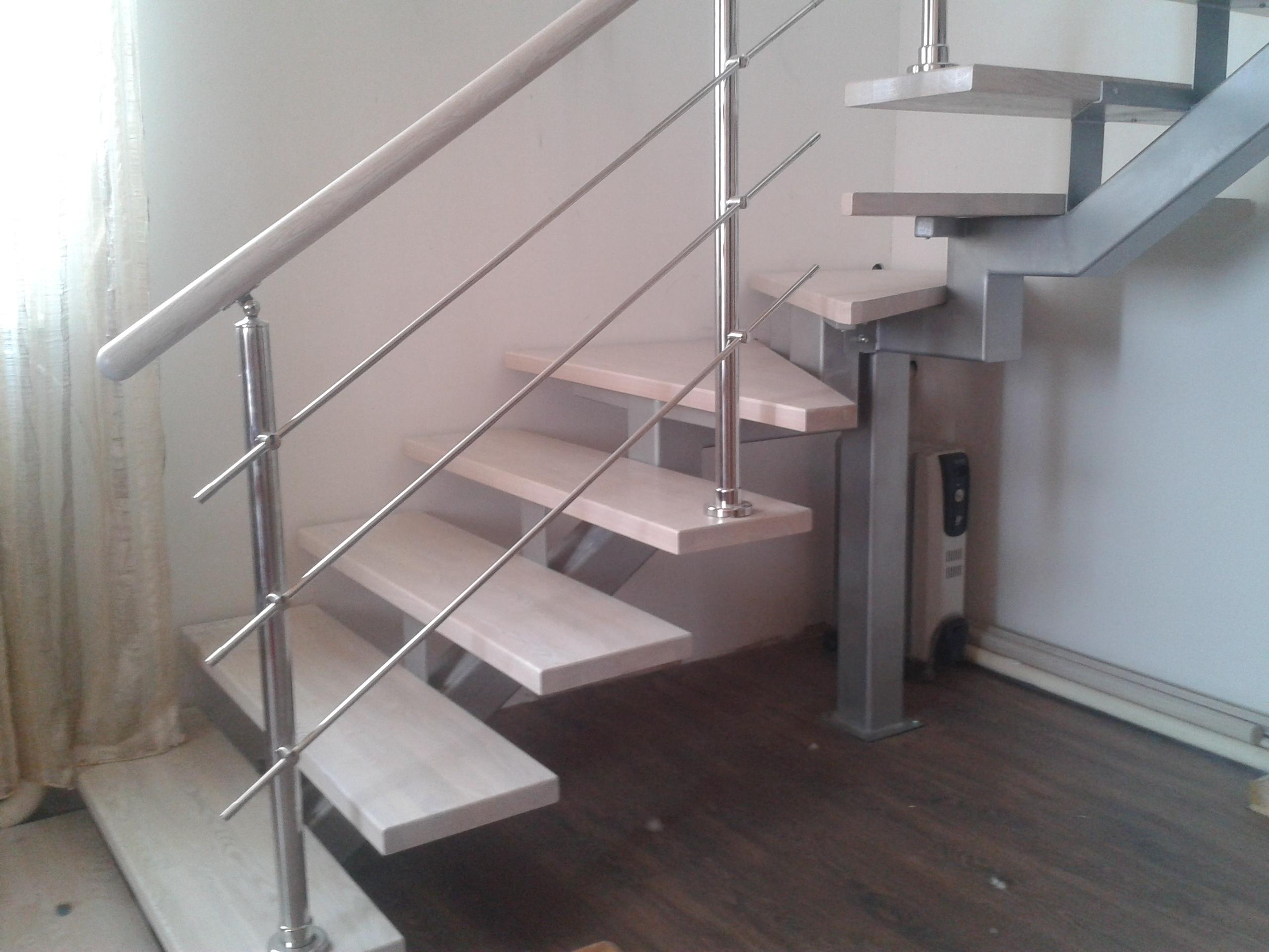 Лестницы на второй этаж железные 120