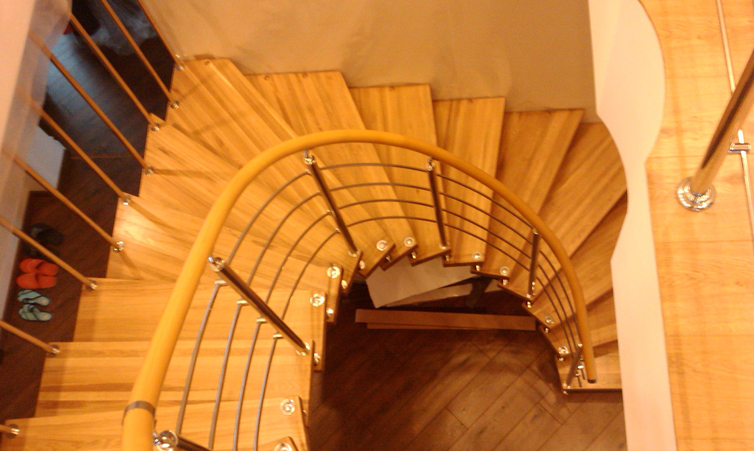 Лестницы в коттеджах: 60 фото дизайна красивых лестниц 21