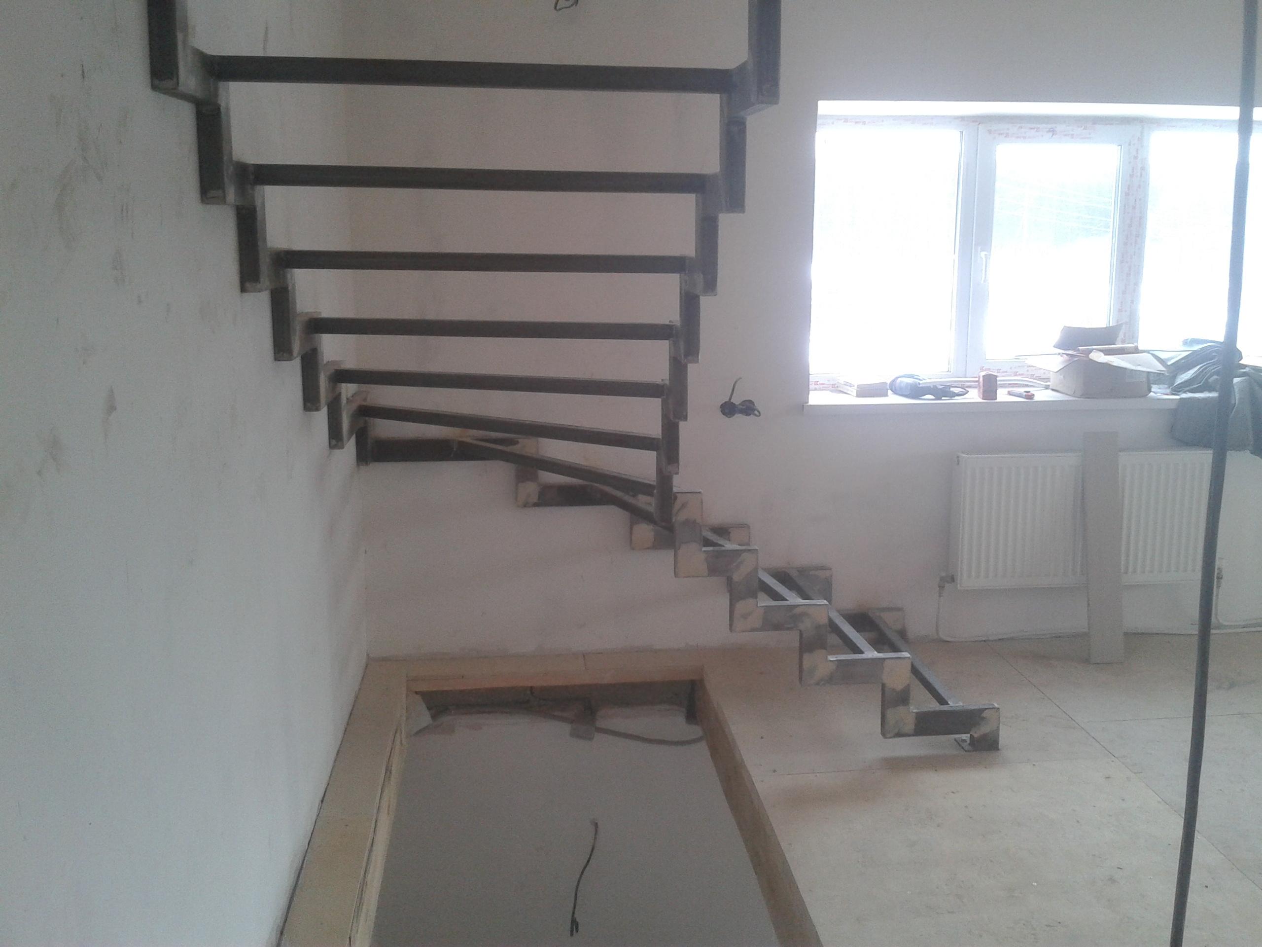 Лестницы на второй этаж металлические